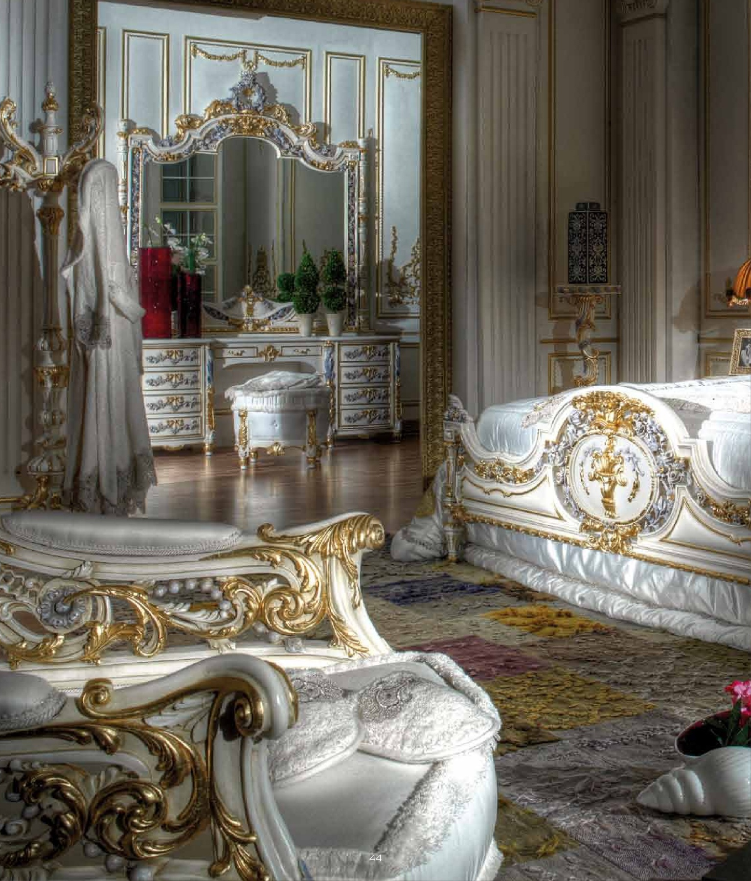 Luxury Classic Bedroom Lacquer Finished Classical